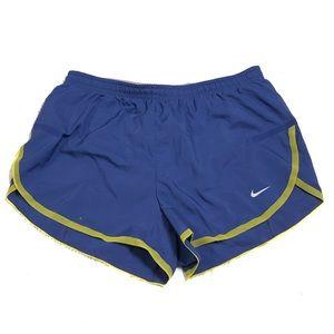 Nike workout women shorts size Small